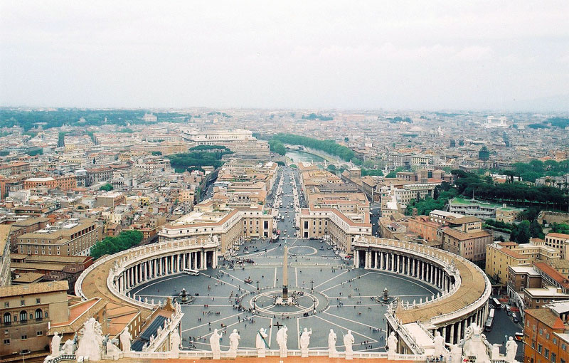 http://krasi46.blog.bg/photos/17809/original/Ploshtadyt--pred-Vatikana.jpg